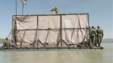 連日暴雨致湖面水位高漲 肯亞小島8隻長頸鹿受困