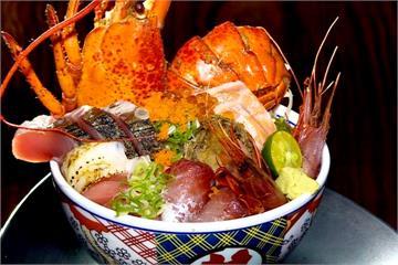 這碗最「澎派」!整隻龍蝦霸氣放上丼飯 海味十足