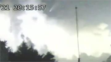 千年一遇彗星同框雷雨!玉山氣象站拍下震撼照