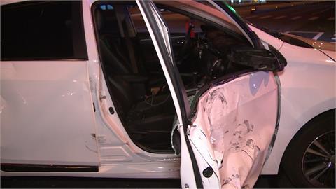 台中轎車快車道右轉 撞直行機車騎士骨折