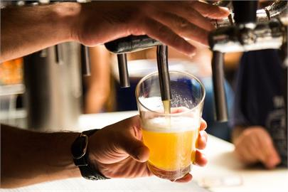研究:2020年癌症新增病例 4%與飲酒相關
