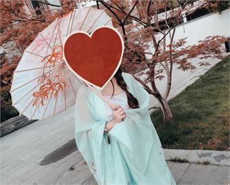 溫碧霞穿古裝與20年前「0差別」 網驚「最美妲己」不老容顏