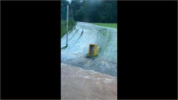 雨炸新竹!上午降逾3百毫米 護城河成汪洋一片