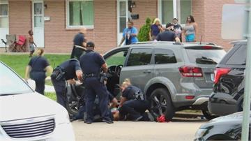 非裔男近距離背後遭警連開7槍 美國再爆警執法過當