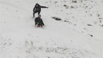 歐洲疫情掀高峰! 民眾仍想方設法滑雪溜冰