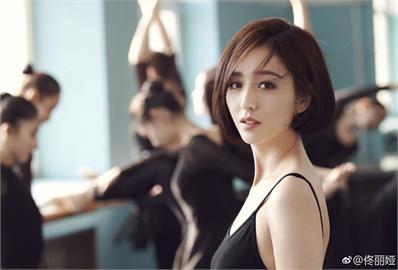 新疆女神佟麗婭37歲仍絕美 網認證:美貌不輸章子怡!