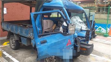 2男偷貨車拒檢飆逃 關車燈躲警變自撞電桿