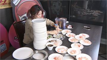 正妹大胃王挑戰吃到飽 112盤食材下肚