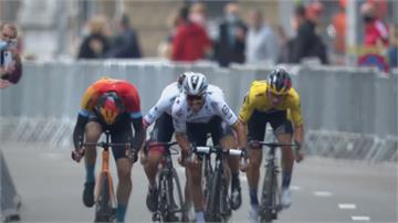 GG了...單車賽領先車手提早慶祝 遭第二名逆轉超越錯失冠軍