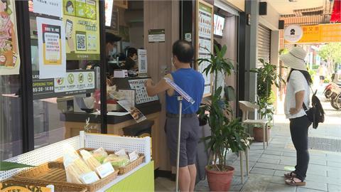 避群聚!早餐店禁內用第一天 業者搶攻「外帶外送」商機