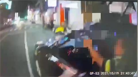 景美夜市違停紅線遭開單 駕駛拒檢險拖員警逃逸