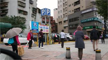 台北燈會「一位難求」 停車場被爆漲價搶錢