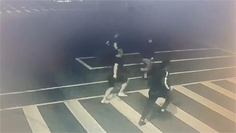 警局教官酒後糾紛 黑衣人追打進松山分局