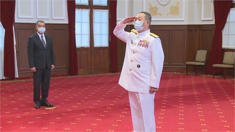 黃曙光將退伍 蔡總統授勳「致力國艦國造」