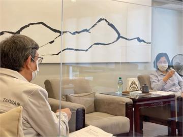 快新聞/蔡英文傍晚與陳建仁開會 總統府:一直是執政團隊的重要防疫顧問