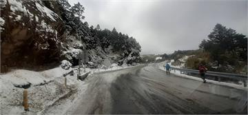 快新聞/合歡山路段路面結冰未融 晚間7時起預警性封閉