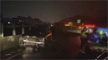 「撞」況多!台62聯結車換道「3車撞一團」 中壢轎車路口遭機車攔腰撞上 騎士竟是員警!