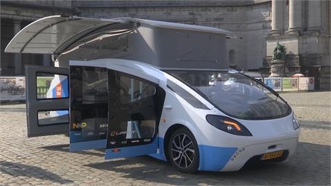 荷蘭大學生首創太陽能露營車 上路試行3000公里