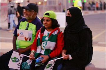 沙烏地阿拉伯新突破 女人能看足球賽