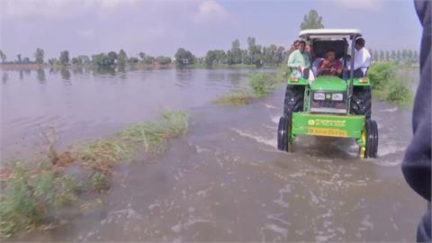 連日暴雨引山崩 印度尼泊爾上百人喪命