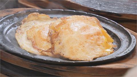 高雄夜市牛排超佛心!不要鐵板麵竟可換成「5顆蛋」