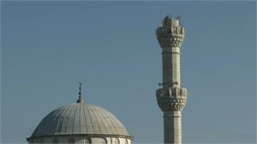 土耳其伊斯坦堡、印尼摩鹿加省遇強震!建築倒塌、民眾倉皇逃生
