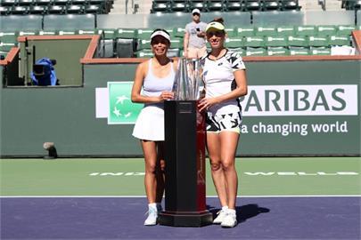 謝淑薇、梅丹斯攜手 獲WTA年終賽女雙門票