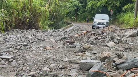 4登山客受困 搜救人員徒步3天入山救援 颱風逼近仍入山? 是否違規入山待釐清