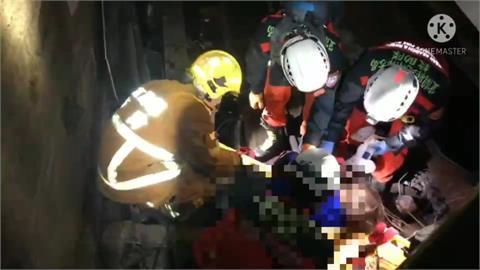 快新聞/「有一個呼吸脈搏我們先救出去!」警消協力救出重傷女乘客畫面曝