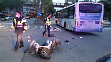 機車路口未停等被公車撞 騎士吐血倒地