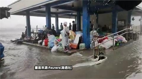 中颱舒力基襲擊! 菲律賓東部薩馬島掀巨浪