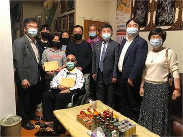 快新聞/部桃一家7口染疫護理師全家出院 陳時中悄赴探視