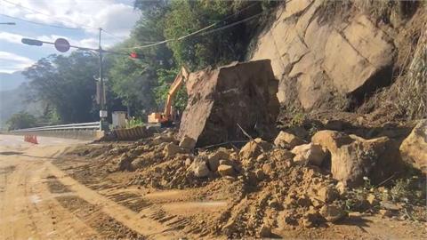 山區熱對流強降雨 苗栗大湖巨石坍落阻道