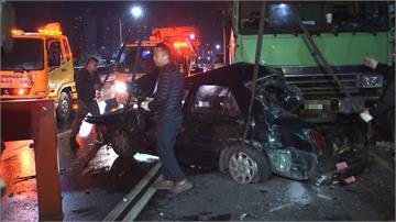 聯結車煞車失靈!連環追撞10車釀3人輕重傷