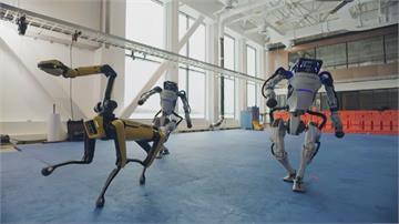 波士頓動力機器狗 裝備「機械爪」全面進化