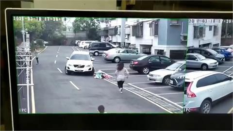 停車場騎腳踏車被撞倒 女童嚎啕大哭駕駛竟淡定無問候 家長氣炸...