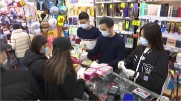 中國一天生產2000萬個口罩仍缺貨!中客從海外搶購帶回去用