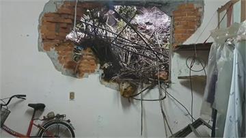 基隆巨石砸進民宅 透天厝牆壁破大洞