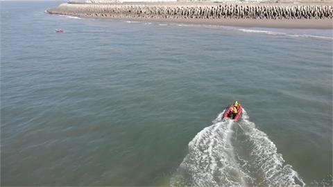 16歲少年海邊落水失蹤 救難人員海面搜救