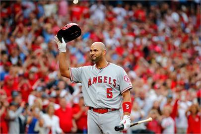 MLB/生涯667轟重砲不敵歲月摧殘 普侯斯遭天使釋出