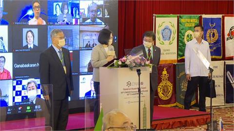 喊話抗疫需要全球共同合作 總統感謝台灣醫護人員辛勞