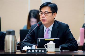 快新聞/回娘家! 陳其邁首次以高市長身分出席院會 呼籲南北均衡發展