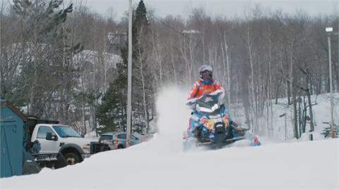 雪橇摩托車急速狂飆 雪地、港口成極限舞台