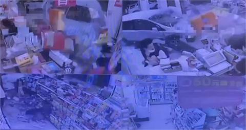 快新聞/駕駛闖紅燈! 無辜車輛被撞進北市超商 民眾一度卡轎車與櫃台間