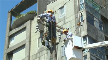 一個月停電9次!基隆深美街居民快熱瘋 台電趕工換變壓器