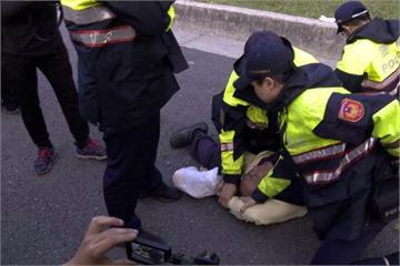 記者立院直播遭潑尿 吳斯懷:非八百壯士