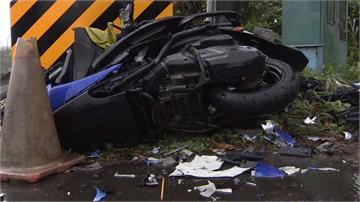 騎士高速猛撞左轉大貨車 卡車底重傷