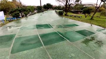 暗藏危機! 羅東「漂浮跑道」 因雨破損