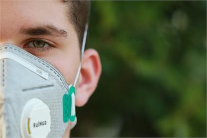 印度男確診武漢肺炎怕感染家人 「樹上隔離」10天後離奇康復!