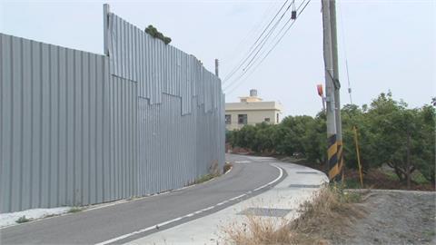 農地4米高違建阻視線 市府只排拆惹民怨